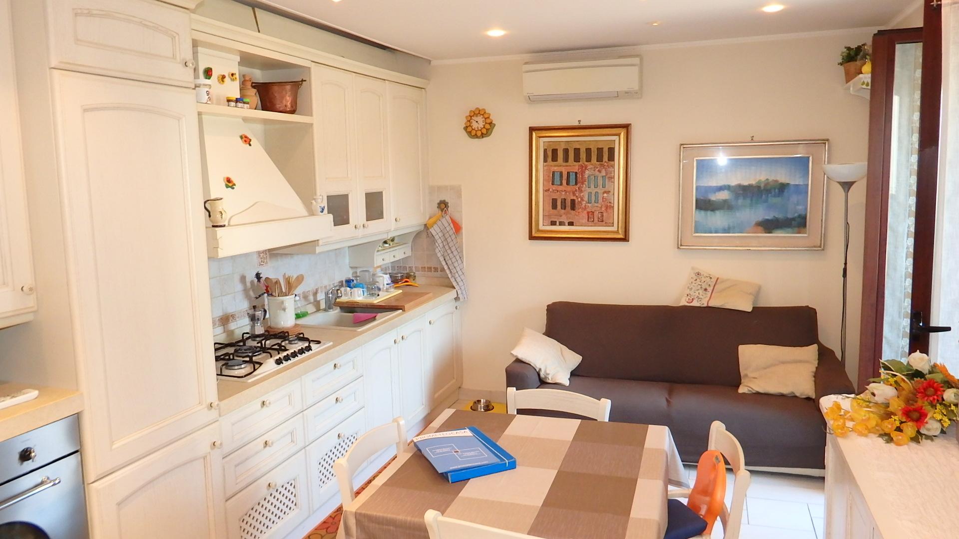 Trilocale vendita peschiera borromeo prometeo for Arredo bagno lodigiano